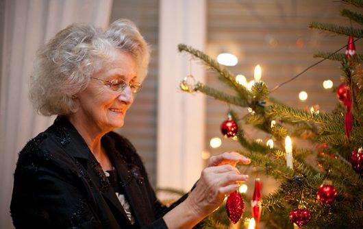 Astuces pour diminuer le stress associé au temps des Fêtes chez les aînés