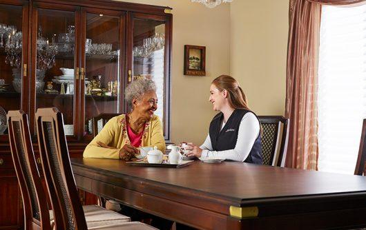5 mythes courants sur les soins professionnels à domicile pour les aînés
