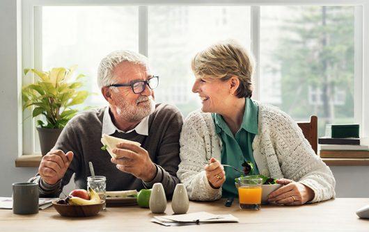 Conseils de cuisine et recettes favorisant la santé du cœur pour les aînés