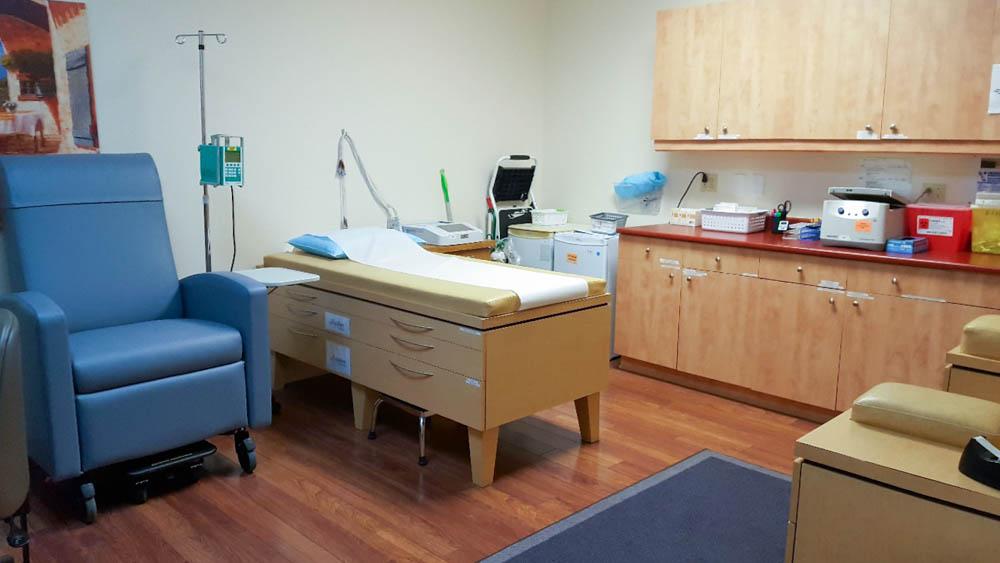 à l'intérieur du cabinet du médecin
