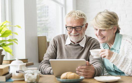 Rester connecté grâce à la technologie