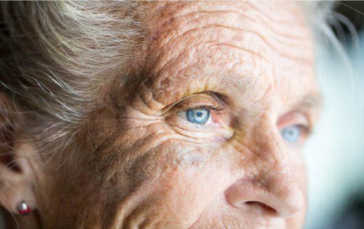 Vieillir chez soi : du soutien pour que les aînés puissent demeurer chez eux le plus longtemps possible