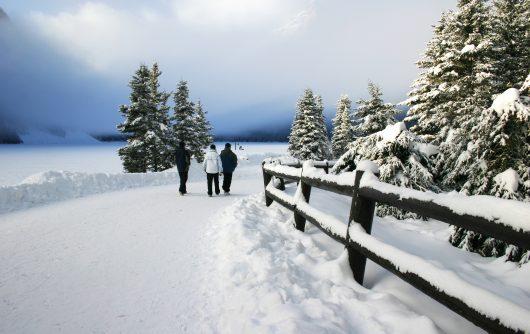 Diminuer les risques de chuter sur la neige ou la glace