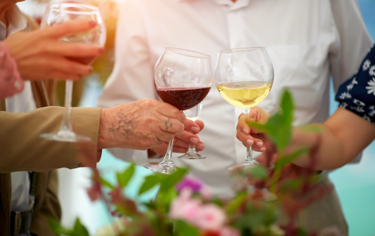 Aging and Alcohol: What's Safe for Seniors?