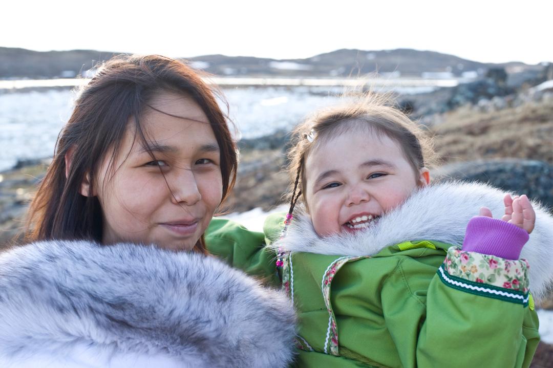 Maman et enfant du Nord